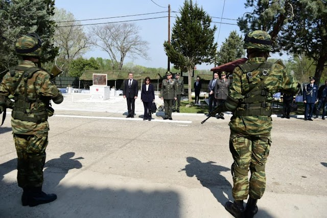 Το ιδιόχειρο σημείωμα της ΠτΔ προς τις Ένοπλες Δυνάμεις και Σώματα Ασφαλείας (ΦΩΤΟ)