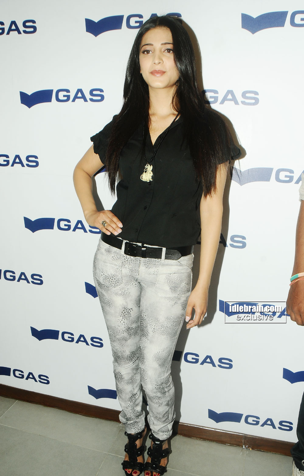 Sexy Shruti Hassan Lauch Gas Store Latets Hd Pics -3961
