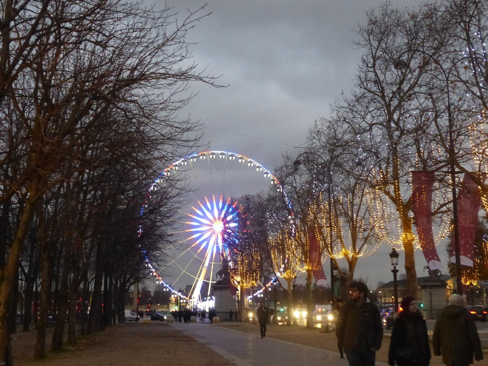 Les vitrines de noel des grands magasins et illuminations - Illumination noel paris 2017 ...