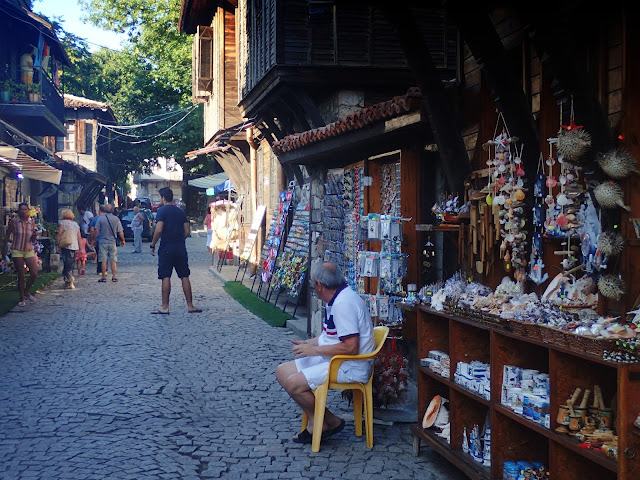 Ulica z pamiątkami - Sozopol