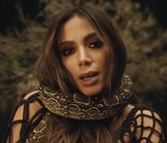 Anitta lança clipe de Veneno