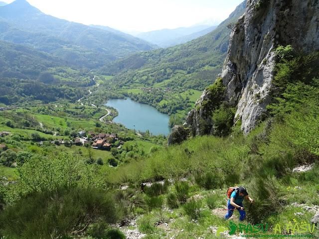 Canal la Chera sobre Embalse de Valdemurio