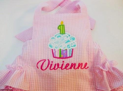 Une robe bébé fille avec prénom