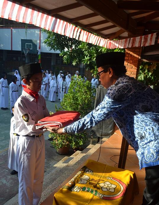 SMP Islam Raden Patah Gelar Upacara HUT RI