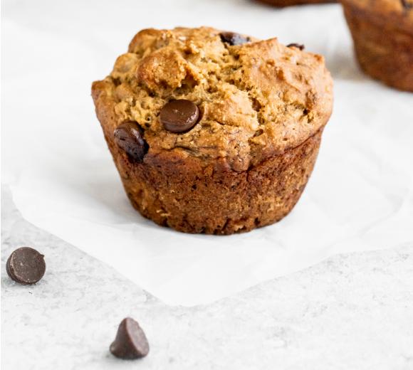 30 minute Skinny Banana Chocolate Chip Muffins #chocolate #muffin