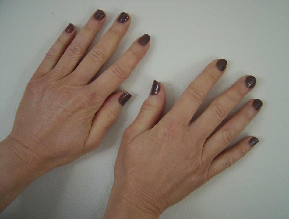 Sally Hansen Complete Salon Manicure #290 Commander in Chic.jpeg