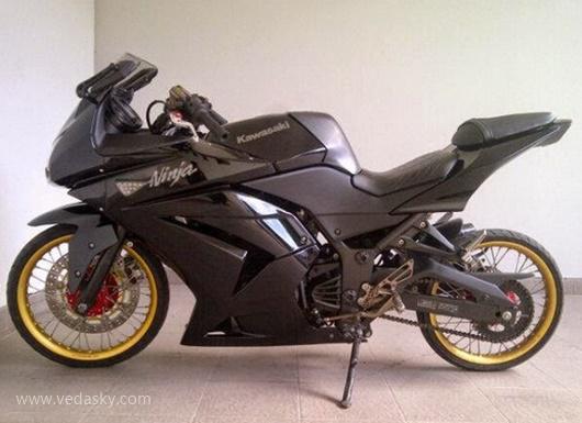 Gambar Modifikasi Kawasaki Ninja 250 RR 2 Tak Velg Jari Jari