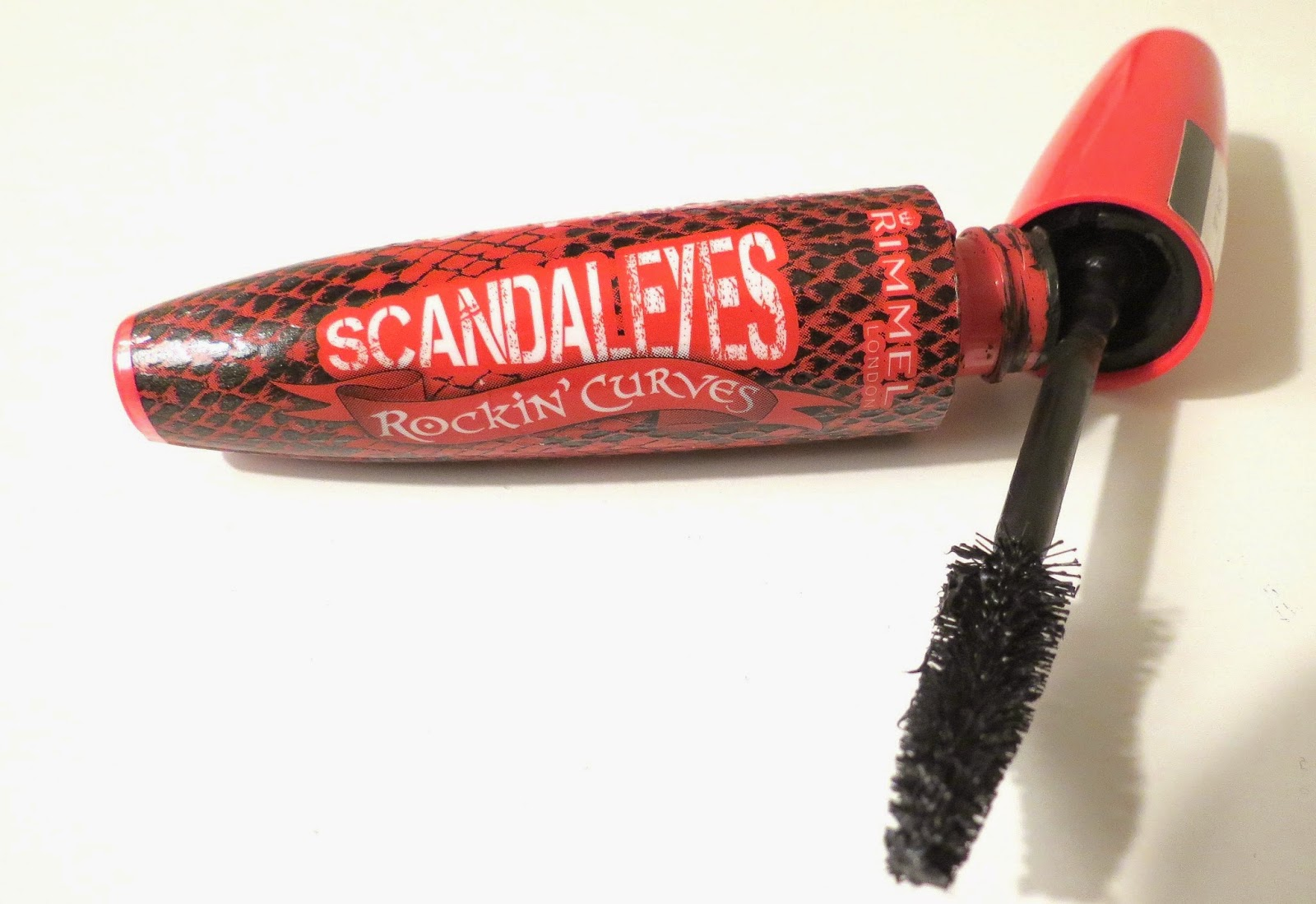 Rimmel ScandalEyes Rockin' Curves Mascara Review via www.productreviewmom.com