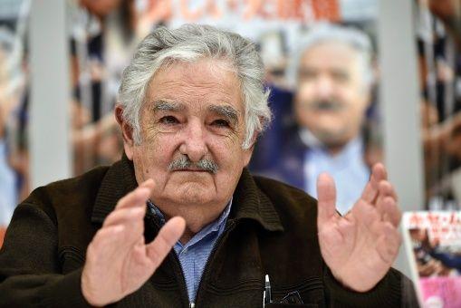 Mujica: acciones irracionales de la derecha ponen en peligro a Venezuela