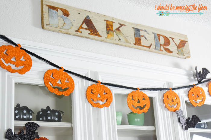 Budget-Friendly Halloween Decor | Loads of fun touches for fall and Halloween that are perfect for any budget.