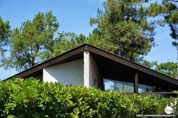 Petit-Piquet - Villa Gerondeau, Avenue de la Pointe-aux-Cheveaux  Architectes: Adrien Courtois, Yves Salier, Michel Sadirac  Construction: 1963