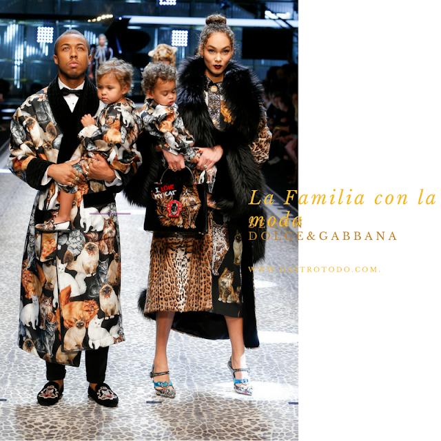 Papá, mamá, e hijos perfectamente coordinados y a la moda
