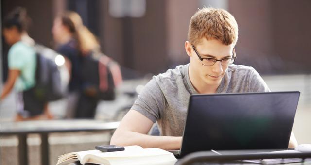 أفضل وأرخص أجهزة لاب توب لطلاب الجامعات والمدارس