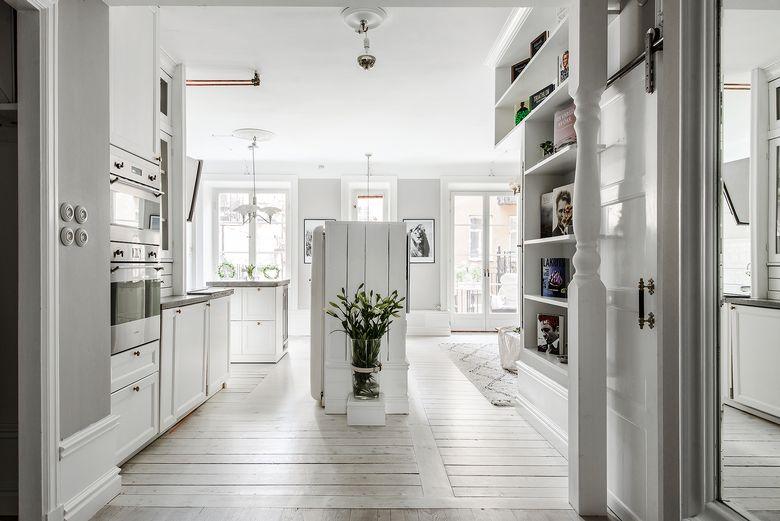 Couloir ouvert sur la cuisine