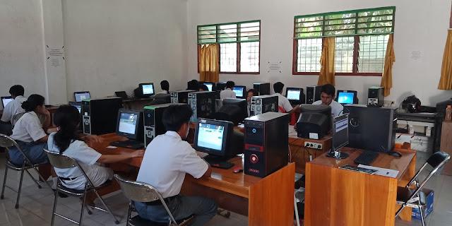 Hari Pertama Ujian, Banyak Siswa SMK Kristen Sanggalla' Sibuk Mengurus Uang Ujian