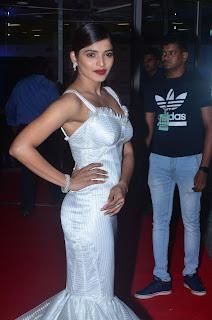 sanchita shetty at filmfare awards 2017