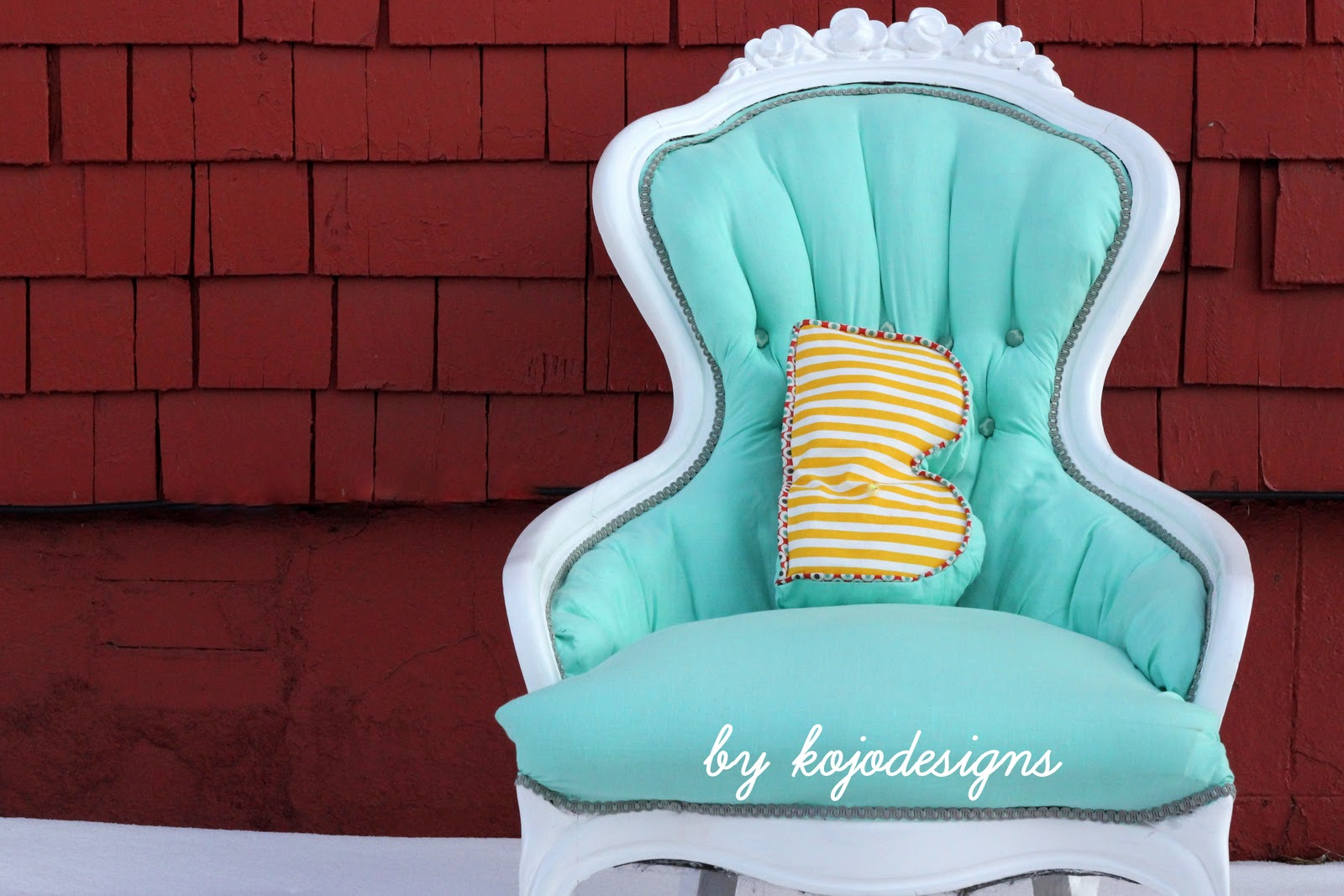 Reupholster Chair Aqua Chair Redo Tutorial How To Reupholster A Tufted Chair