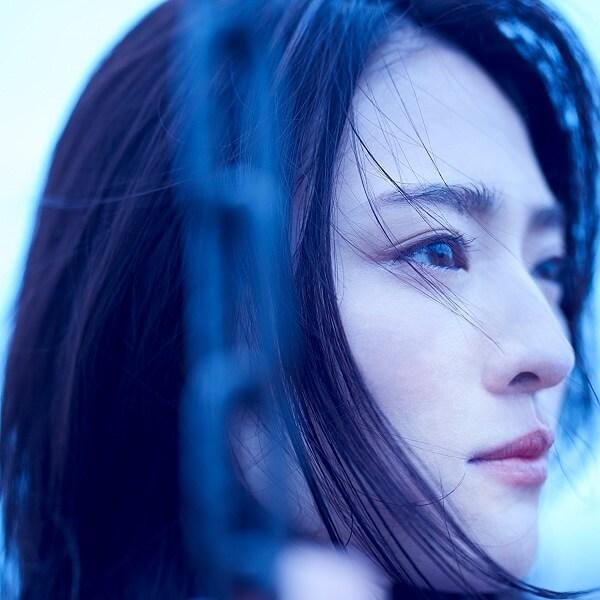 栞菜智世 (Chise Kanna) – blue moon Lyrics 歌詞
