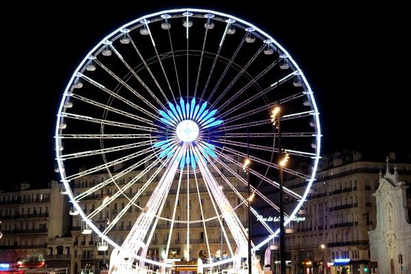 marseille vieux port grande roue nuit