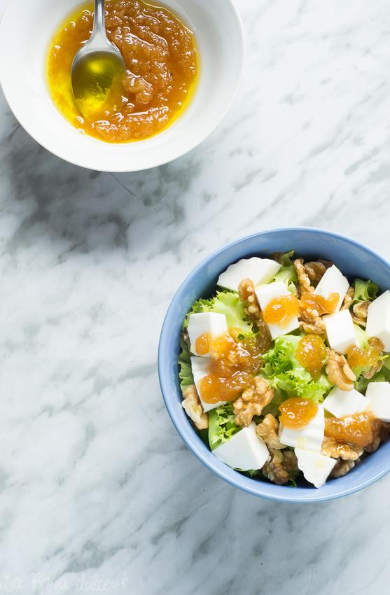 Ensalada de escarola, queso, nueces y vinagreta de membrillo sin lactosa La Rosa Dulce