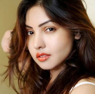 Komal Jha Family Husband Son Daughter Father Mother Marriage Photos Biography Profile.