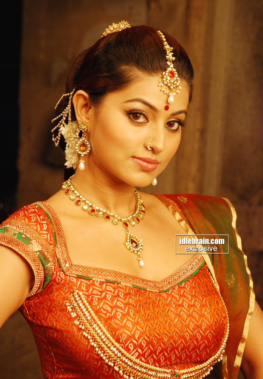 Tamil Actress Sneha Hot Navel Show In Saree  Mallufuncom-3815