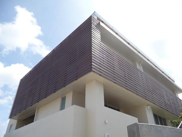 住宅のルーバーに使用したカンドーレウッドデッキ施工写真
