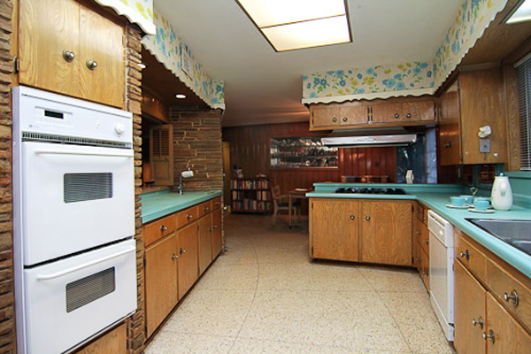 Oh so lovely vintage blast from the past for Ranch style kitchen