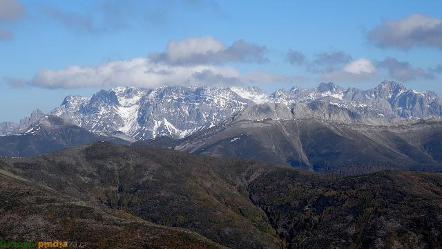 Vistas hacia los Picos de Europa