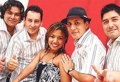 Foto de integrantes de Los Villacorta sonriendo