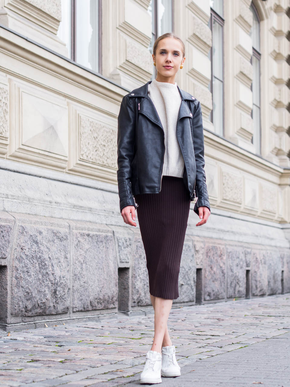 jumper-and-skirt-outfit-fashion-blogger-scandinavia-streetstyle-villapaita-neule-hame-syysasu-muotibloggaaja