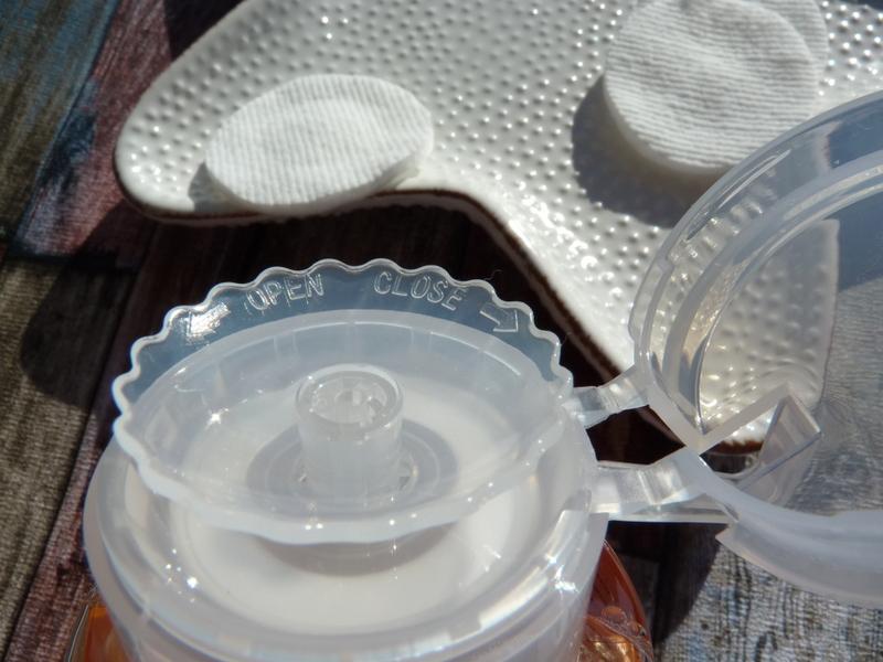 SESDERMA Oczyszczający płyn do skóry z przebarwieniami