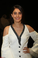 Isha Talwar Looks super cute at IIFA Utsavam Awards press meet 27th March 2017 24.JPG