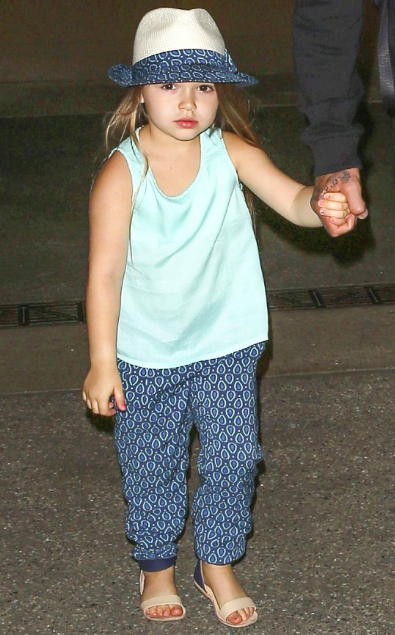 7f0873a65 Harper Seven Beckham and Family arrived to LAX airport on July 12th 2015.