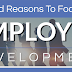 5 Good Reasons to focus on employee development (infographic)