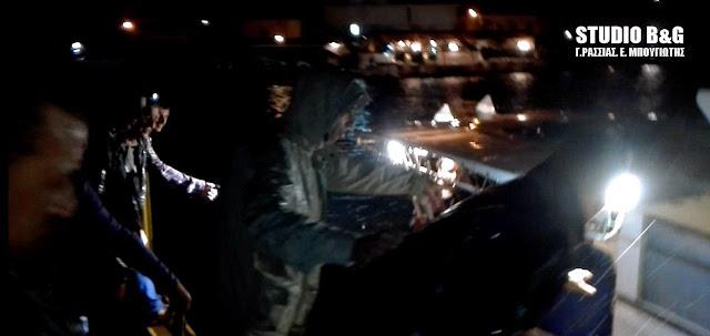 Αργολίδα: Επίσημη ανακοίνωση του λιμεναρχείου Ναυπλίου για τους δύο ψαράδες που κινδύνεψαν όταν αναποδογύρισε το καΐκι τους