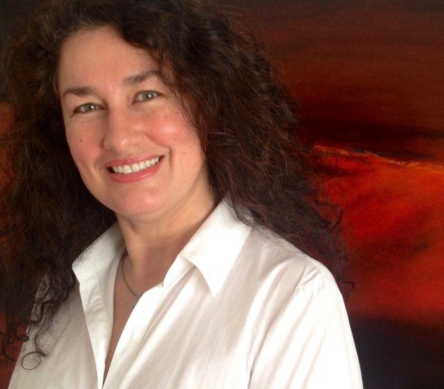 Myriam O , Artista multidisciplinaria