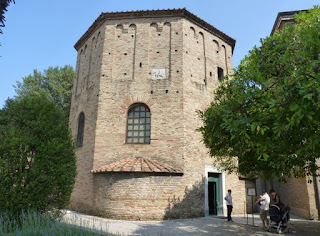 Ravenna, Baptisterio Neoniano o de los Ortodoxos.