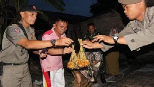 Polisi Periksa 12 Orang Terkait Sate Padang Daging Babi
