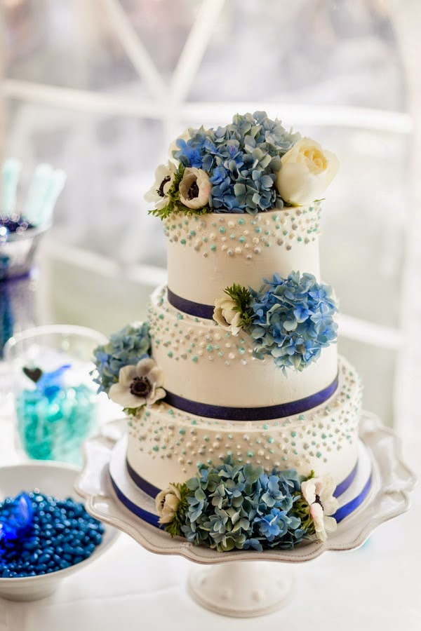 una boda de color azul