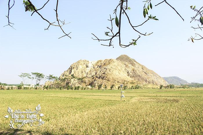 gunung watu putih