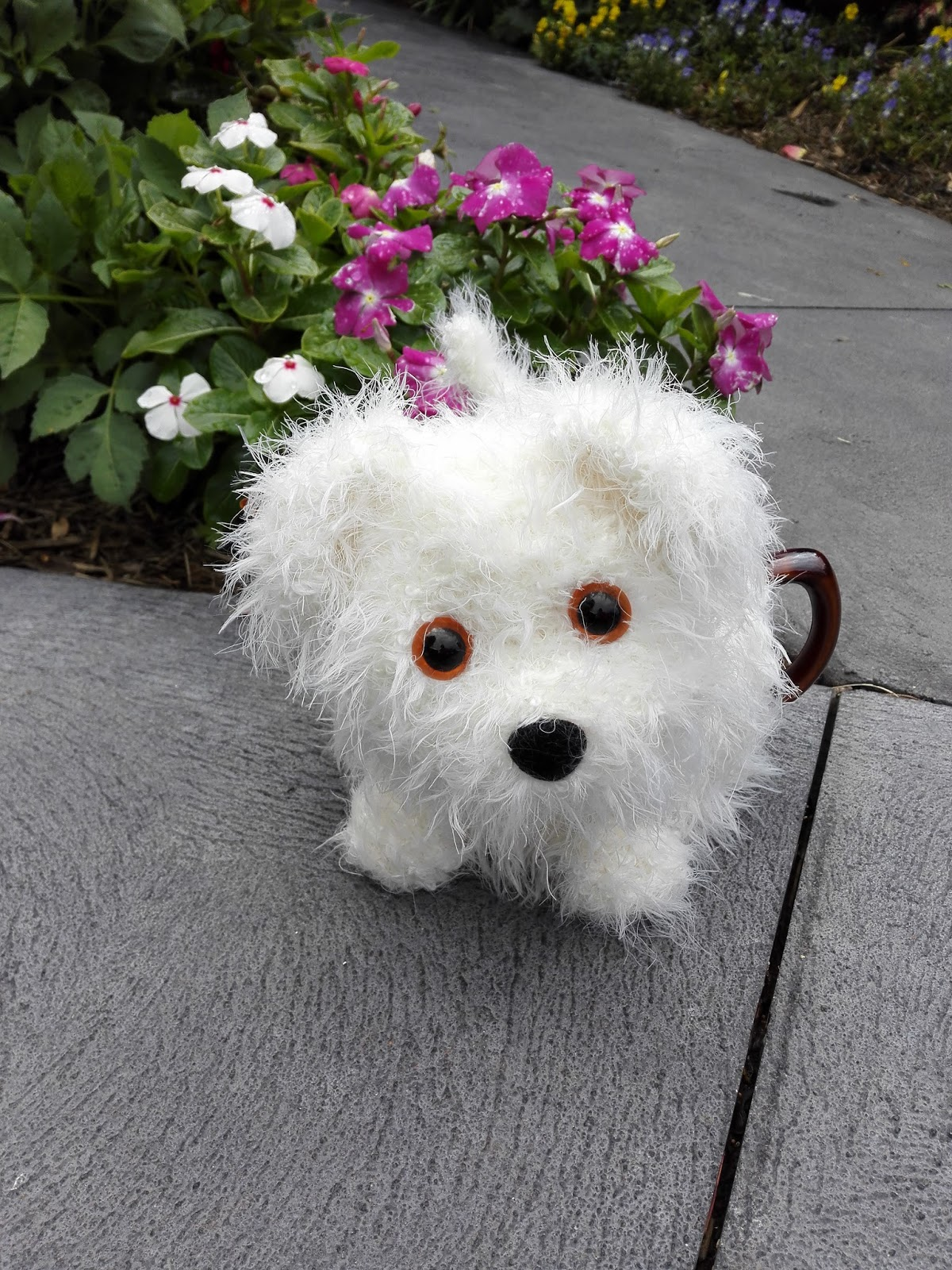 Craft a cure for cancer free tea cosy patterns alfie the fluffy alfie the fluffy puppy tea cosy dt1010fo