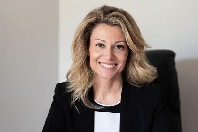 Vassiliki Lazarakou - thecolumnist.gr