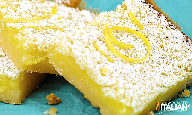 2 lemon bars with dusting of confectioner's sugar