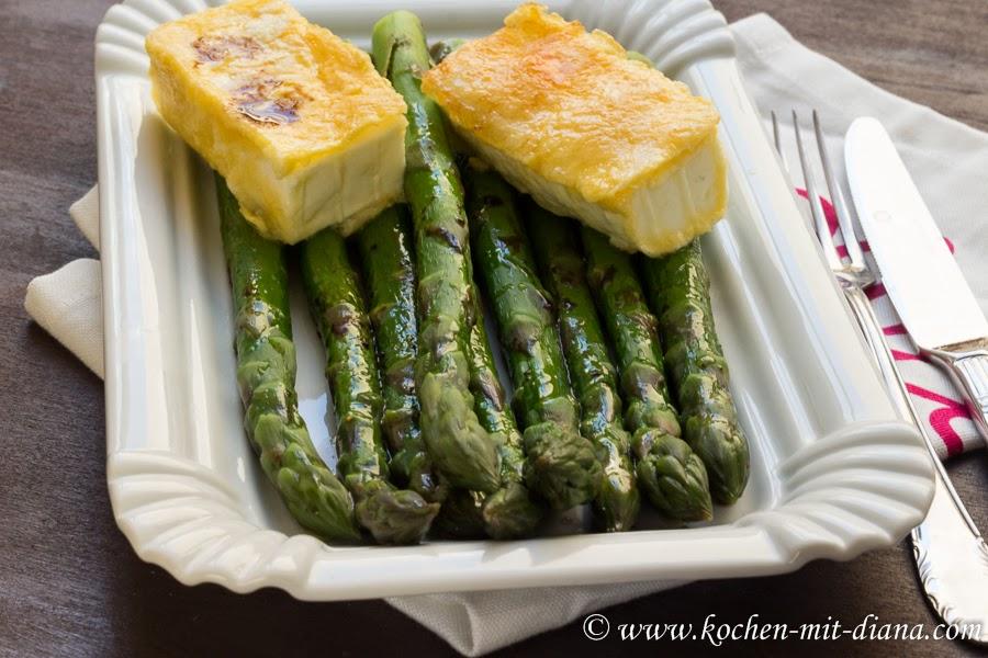 Gebratener Feta mit grünem Spargelsalat