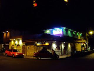 Salones de baile de San Jose, Costa Rica, discotecas y bares en San Jose, karaokes en san jose