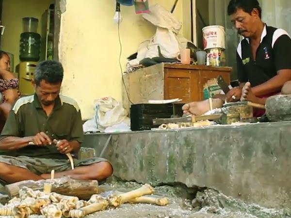 Kerajinan tulang Cileunyi Wetan Kabupaten Bandung