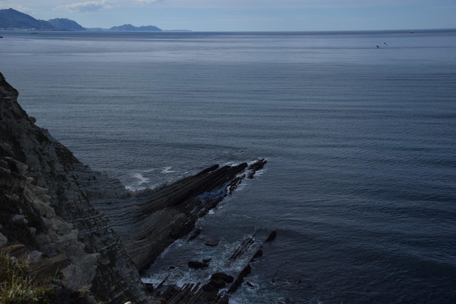 Kraj Basków trekking z dziećmi skały
