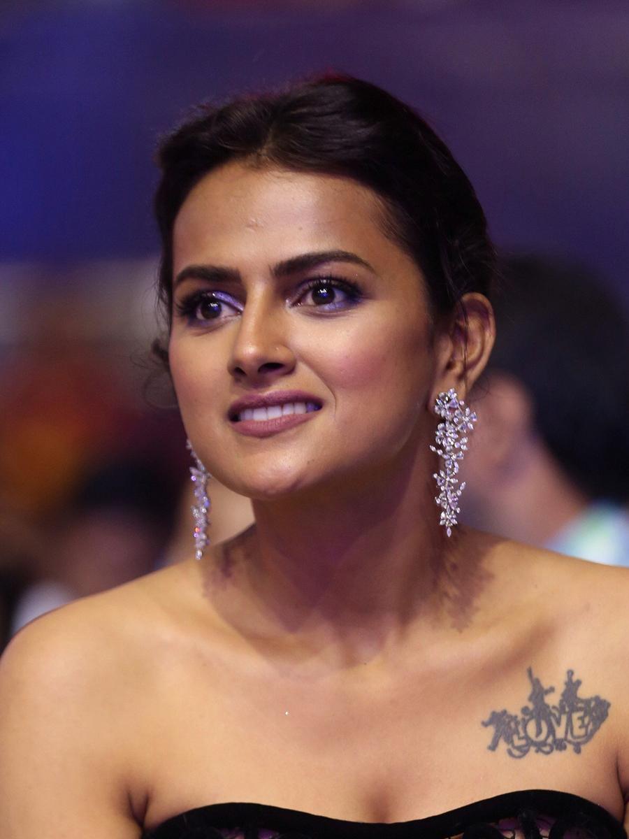 Actress Shraddha Srinath Cute Gorgeous Closeup Stills