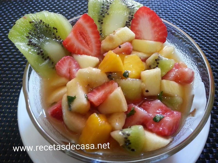 receta de macedonia de frutas con miel y hierbabuena cocina facil